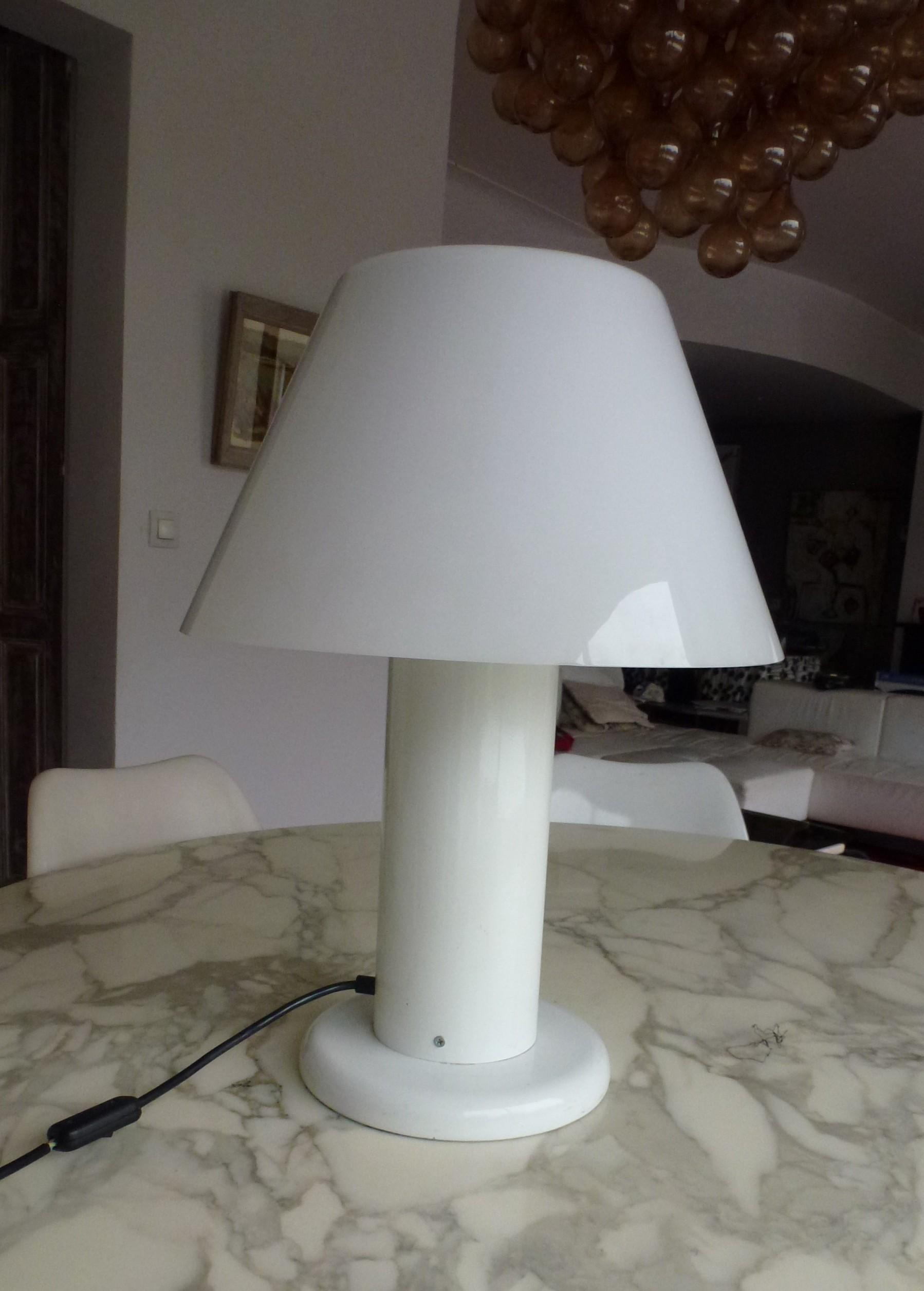 lampe blanche Guzzini