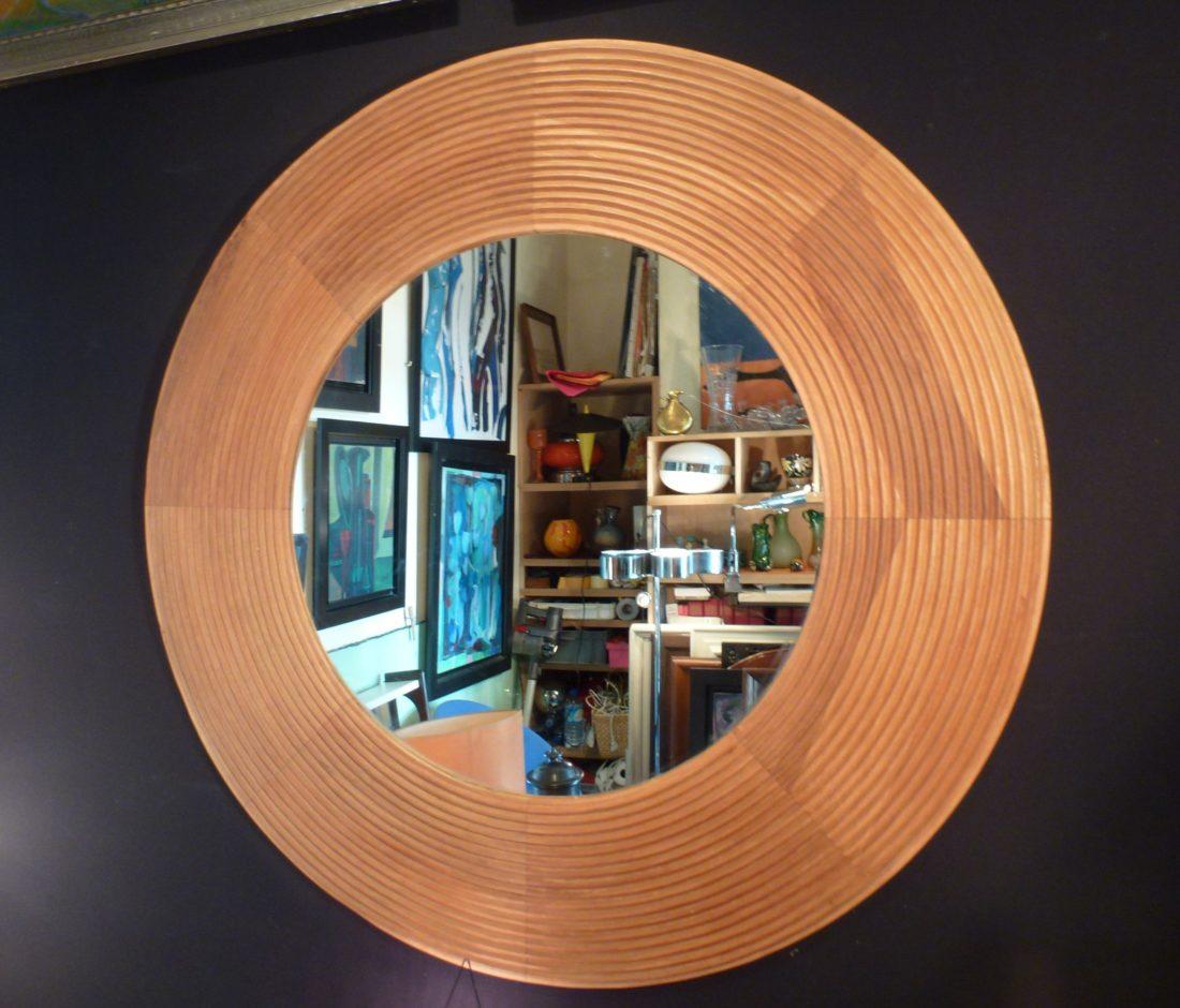 Miroir en bois de Christopher Guy,