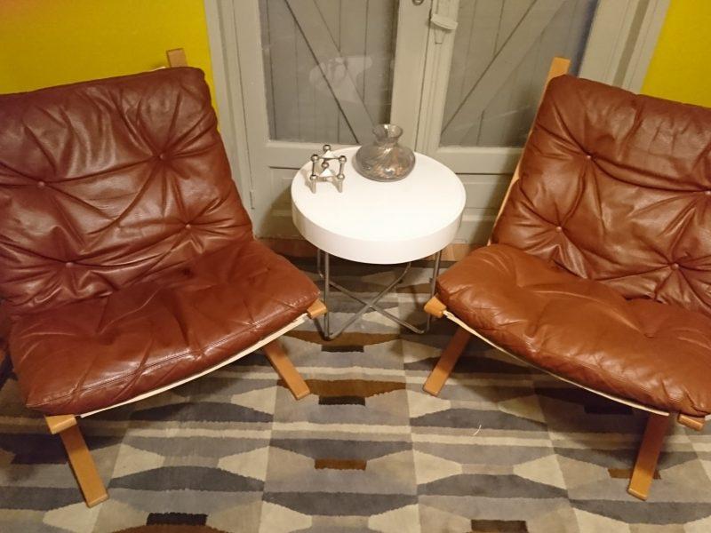 Paire de fauteuils Ingmar Relling