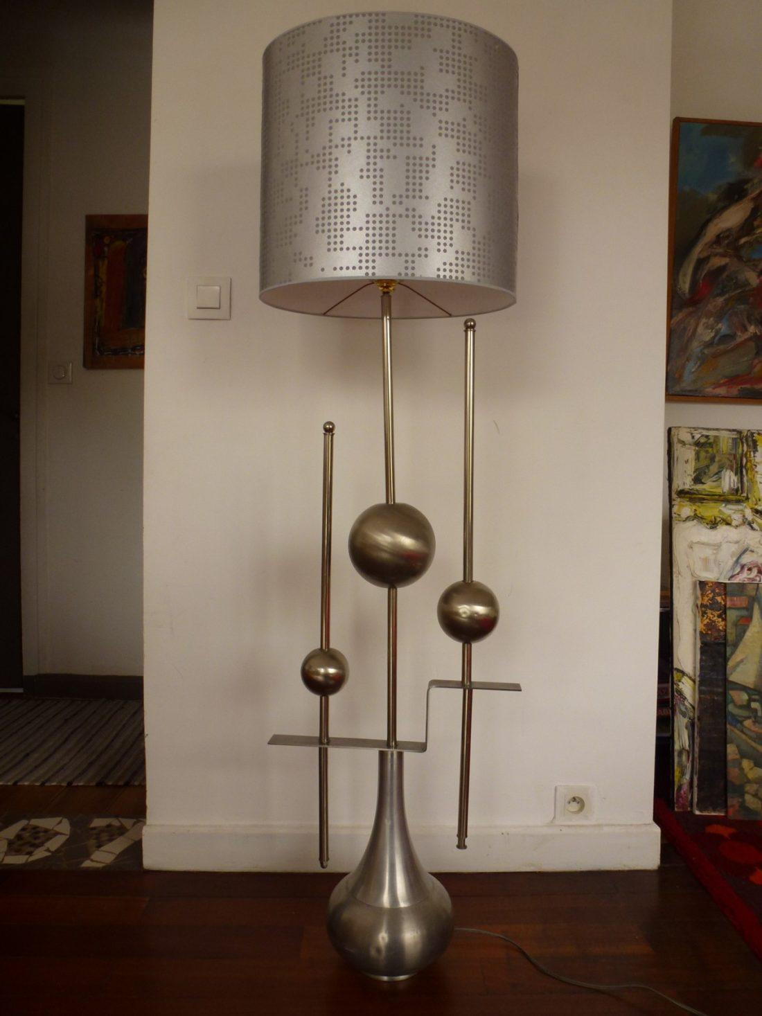 Lampe de sol en métal design 1970