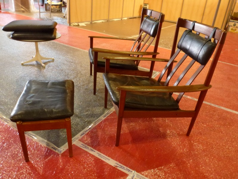 Grete Jalk paire de fauteuils + ottoman